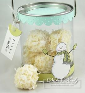Snowball_pail_closeup