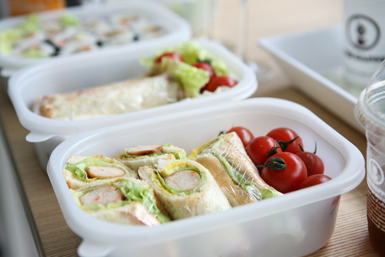 lunch-box- 3 Back-to-School Food Pinterest Boards to Follow