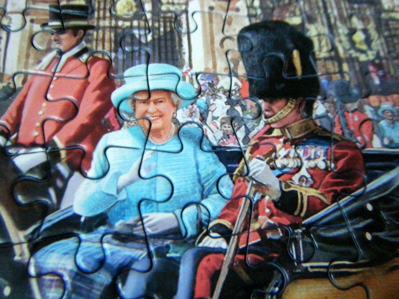 gibsons jigsaw - The queen