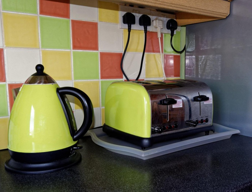 kichen - toaster and kettle