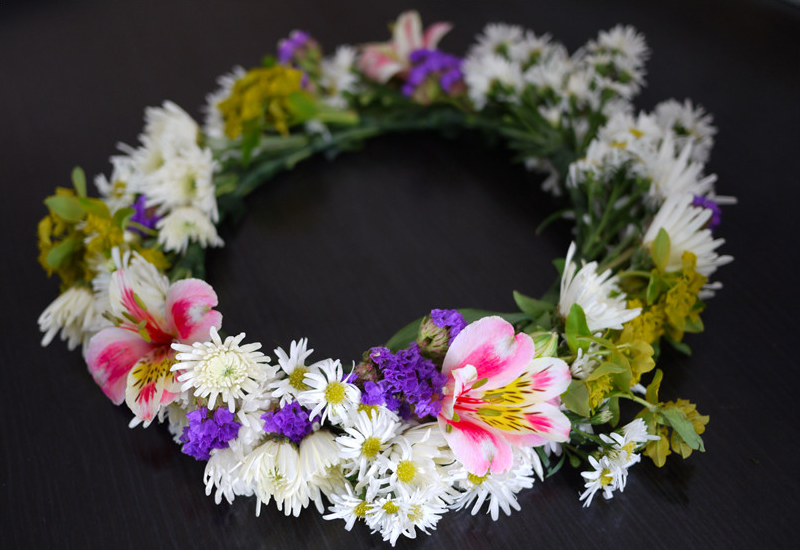 Step by Step Guide on How to Create a Floral Crown