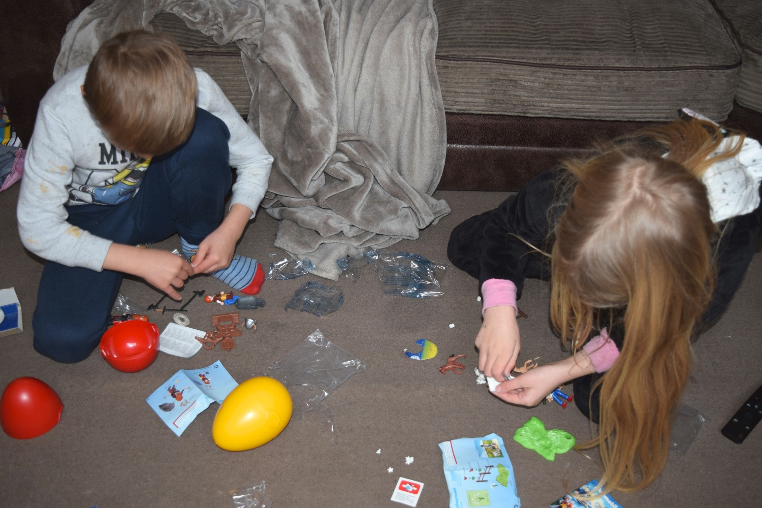 Caitlin and Arron opening their Playmobil Easter Eggs | Serenity You