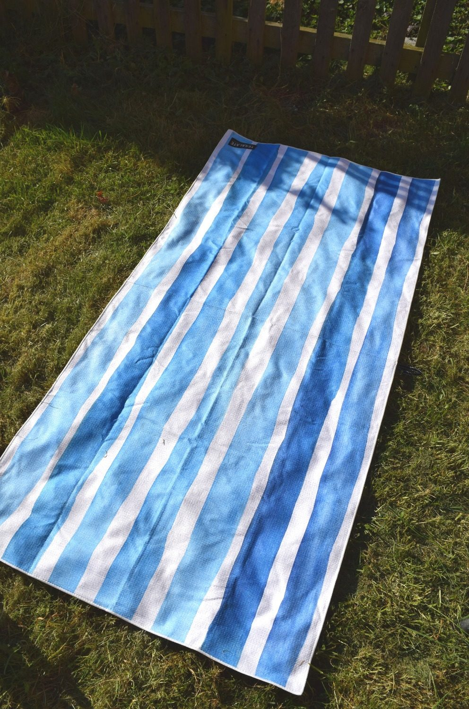 Bora Bora Tesalate sand resistant beach towel
