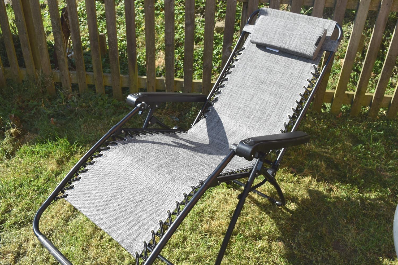 VonHaus Textoline Zero Gravity Chair